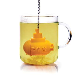Yellow submarine tea steeper