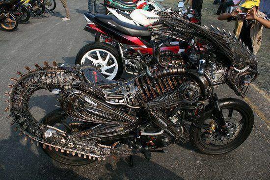 Fusión de #Alien y moto... realmente espectacular #Nostromo