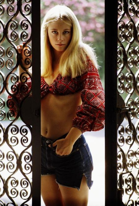 Bohemian Cybil Shepard, Vogue 1968 late 60s to 70s looks vintage cut off shorts peasant crop top red ethnic boho