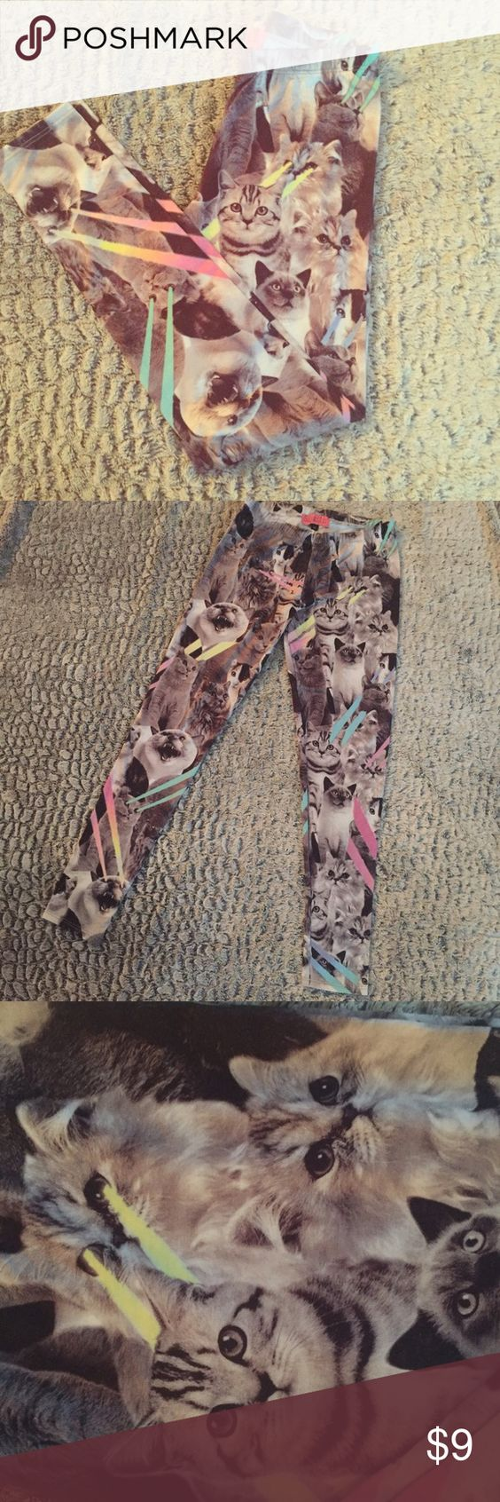 Kitty Leggings Novelty cat leggings featuring cute kittens with laser beams. Cotton leggings, elastic waistband. Size M (4-6) Pants Leggings