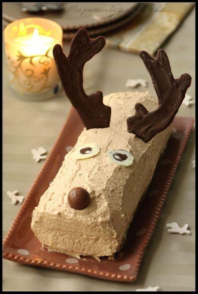 Bûche de Noël en forme de renne.