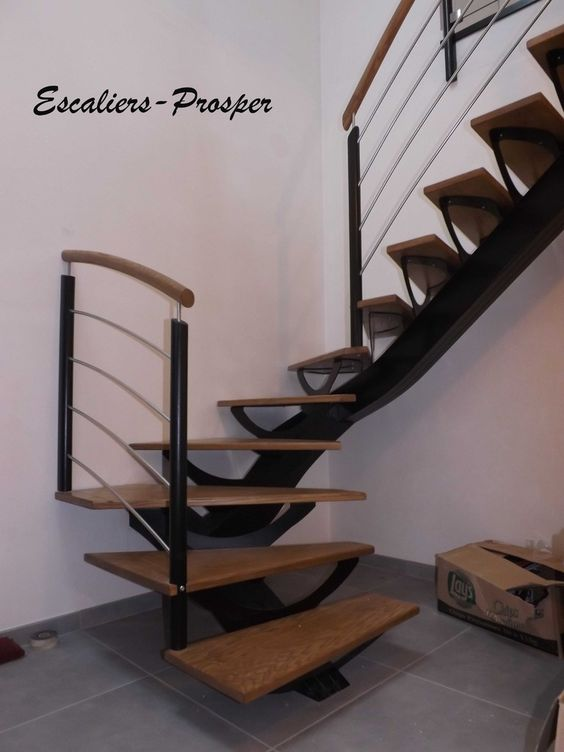 escalier 1 4 tournant m tiss limons droit limon m tiss en bois laqu noir avec supports. Black Bedroom Furniture Sets. Home Design Ideas