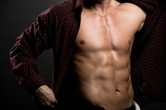 Türk erkeği vücudunun en çok hangi kısmından hoşlanmıyor? Araştırmalar gösteriyor ki erkeklerimizin yüzde 81'i vücudundaki yağlamadan hoşlanmaz. Erkeğin hafif göbeklisi artık makbul değil. Op. Dr. Naci Çelik Estetik ve Plastik Cerrah Kadınlar kaslı görünümlü ama izbandut gibi durmayan yani fit, geniş omuzlu, atletik yapılı erkeklerden hoşlanır ve böyle bir vücudu sporla geliştirmek hele ki bir…