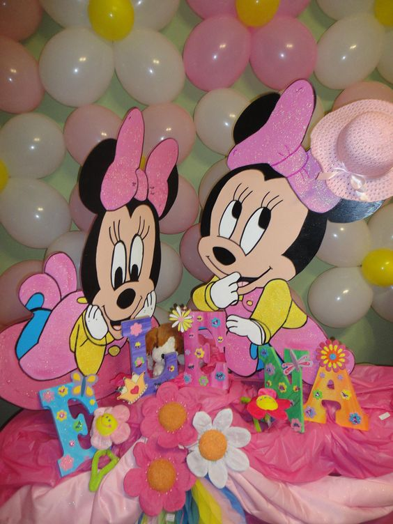 Simple baby shower centerpieces baby minnie mouse baby for Baby minnie mouse decoration ideas