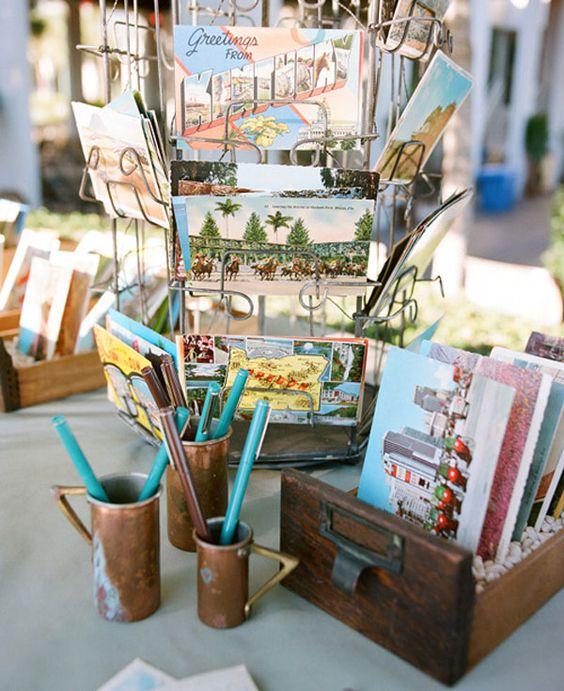 Cartes postales pour un livre d'or, peut représenter par les images, le thème du mariage, ou les endroits que les mariés aiment