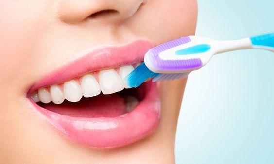 Πώς συνδέεται το βούρτσισμα των δοντιών με τον καρκίνο του εντέρου - http://www.daily-news.gr/health/pos-syndeetai-vourtsisma-ton-dontion-ton-karkino-tou-enterou/