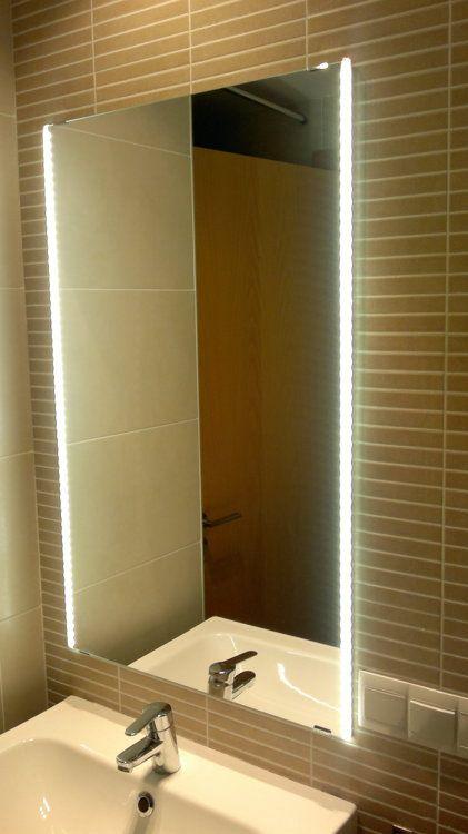 Espejo de ba o con leds integrados encendido ba o pinterest iluminaci n de ba o baldosa - Iluminacion para espejos de bano ...