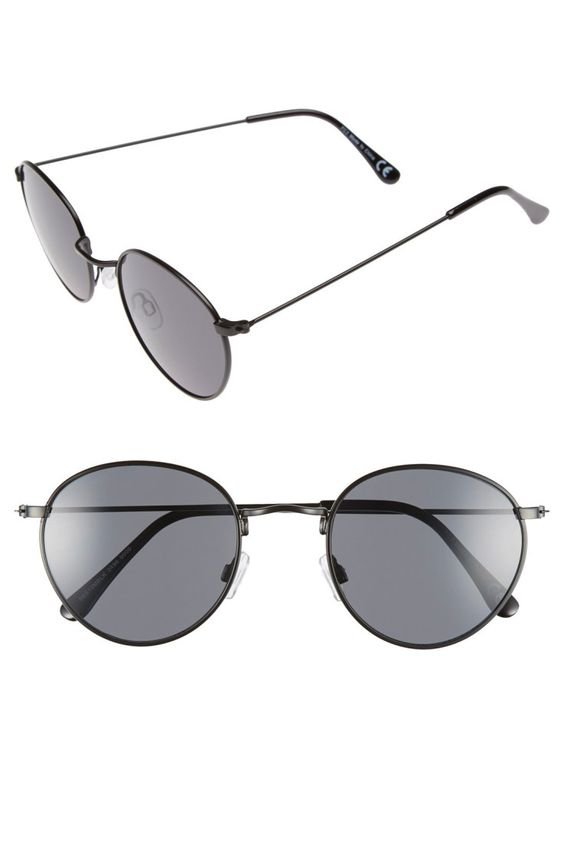 About to buy Ray Ban Wayfarer sunglasses? Finished browsing the thousands of product reviews and now you are ready to make a purchase? Below are some helpful tips to help you land the best deal as you buy Wayfarer sunglasses online.  ‪#‎shop‬ ‪#‎fashion‬ ‪#‎fashionable‬ ‪#‎approaching‬ ‪#‎women‬ ‪#‎Ray_Ban‬ ‪#‎accessory‬ ‪#‎sunglasses‬ ‪#‎Designed‬