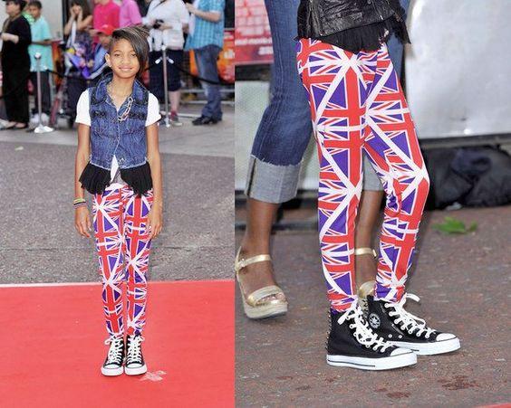 Já falei num outro post que eu adoro a família do Will Smith e da Jada Pinkett. E a cada red carpet os filhos aparecem com produções, no mínimo, inusitadas. Mas desta vez eles estavam bem comportados. O Jaden está todo charmoso com esta jaqueta e eu adorei a legging com a bandeira da Inglaterra …