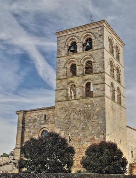 Valdeolivas, provincia de Cuenca - Torre de la iglesia románica de La Asunción