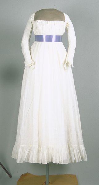 1795 chemise à la reine