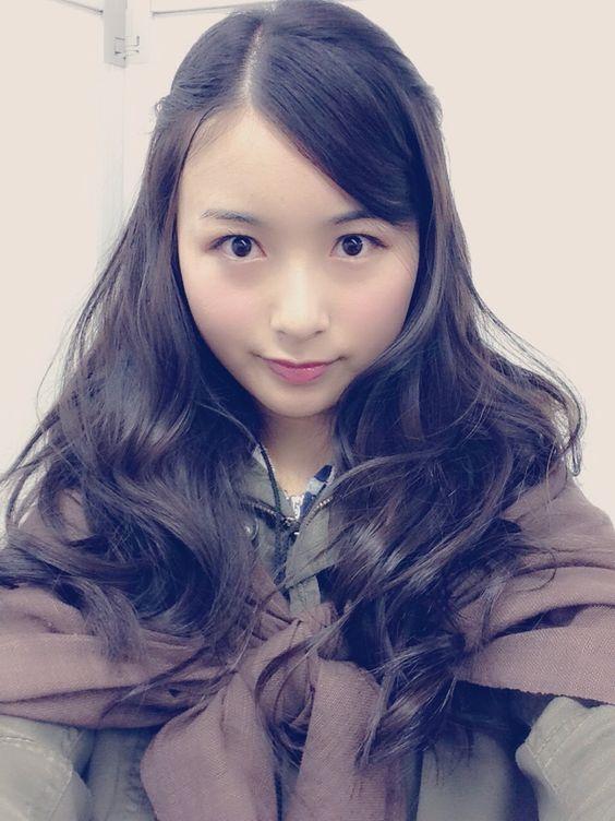 美人で綺麗な佐々木琴子