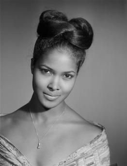 Marpessa Dawn (1/3/1934 – 8/25/ 2008; Pittsburgh, PA), aka known as Gypsy Marpessa Dawn Menor, was an American-born French actress, singer, and dancer, best remembered for her role in the film Black Orpheus (1959). She and her fellow lead from that film, Brazilian actor Breno Mello, died just 42 days apart in '08, both from heart attacks. She was 74 y/o.
