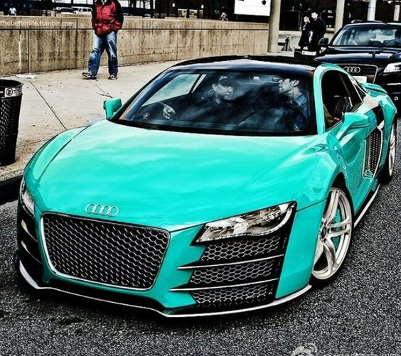 Audi R-8 sweet color...
