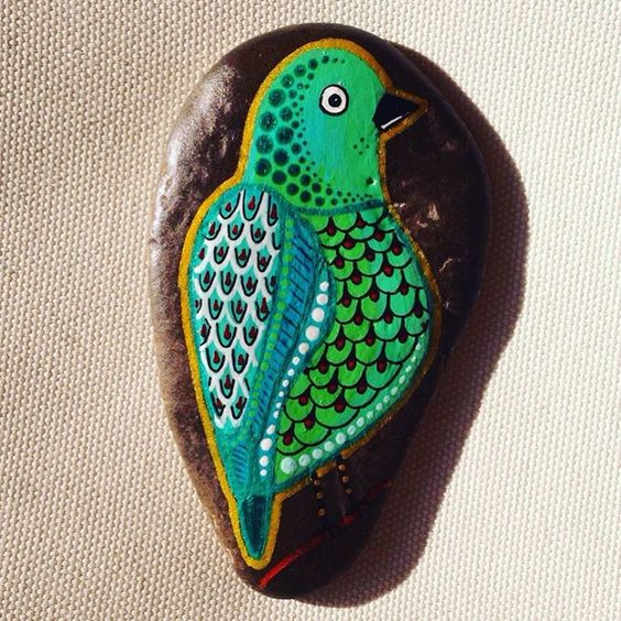 #createandcherish #bird #paintedbird #paintedrocks #paintedstones #birdart #etsy #dotart