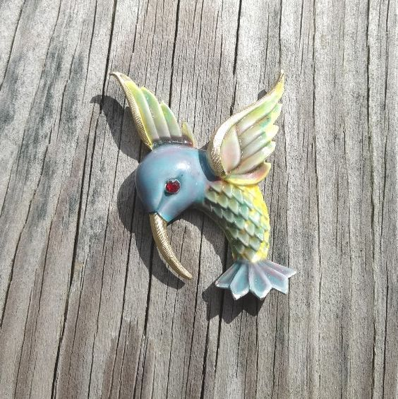 1970s Vintage Hummingbird Brooch or Pin Signed JJ or Jonette Jewelry, Enamel Over Gold Tone Metal, Pastel Colors, Vintage Brooch Pin by VictorianWardrobe on Etsy