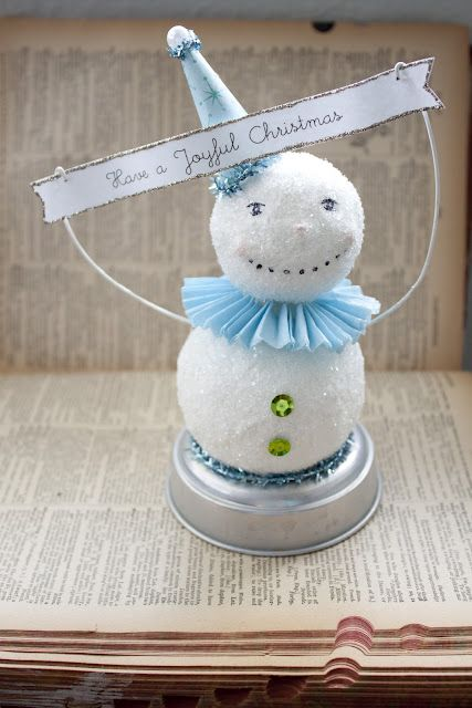 Faux Paper Mache Snowman - Class I taught in December. I just love these little snowmen!