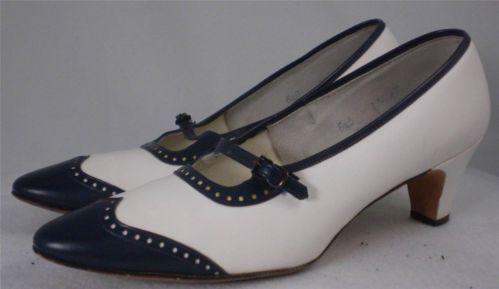 Vintage 60s Mary Jane Spectator Pump Blue White Wingtip Miss Baynham 6.5 B
