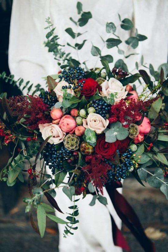 Bukiety Slubne 2018 Ciemne Kolory Winter Wedding Bouquet Wedding Flowers Winter Wedding Flowers