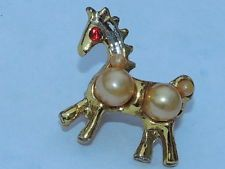 VTG Gold tone Horse with Faux Pearl & Red Rhinestone Brooch Pin
