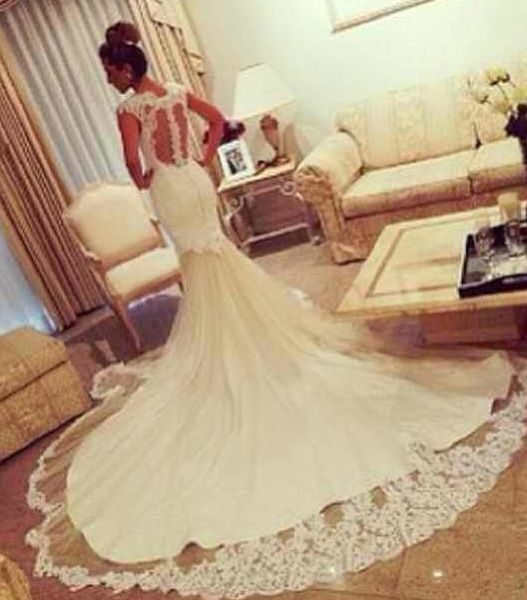 This wedding dress is absolutely fantastic!  #weddingdress