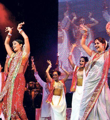 Bollywood divas rock the dance floor - Times Of India