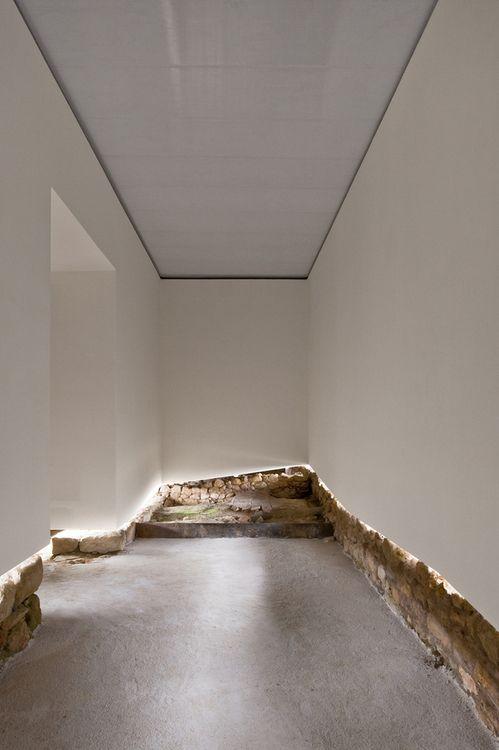 Old New Tension. João Luís Carrilho Da Graça   Archaeological Museum At The  Castle Amazing Design
