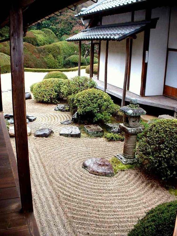 Buchbaum ist auch für Zen Garten charakteristisch