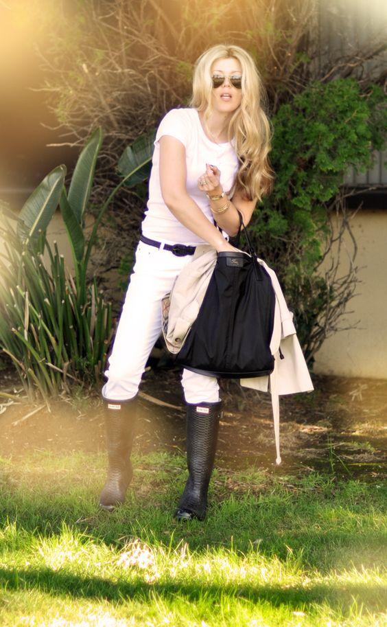 Jeans & a White T Outfit No. 15 ~ White + White + Black