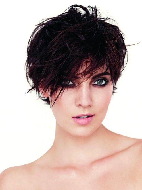 Ausgefallene Asymmetrische Frisuren Für Mutige Damen