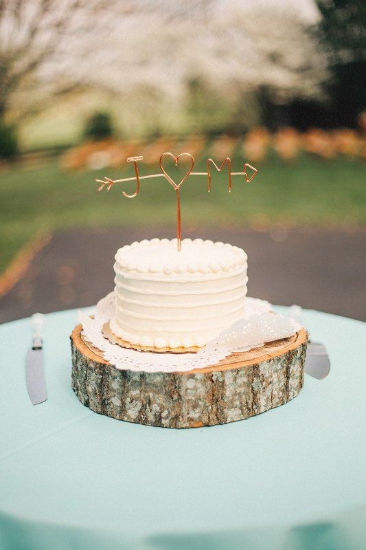 Rustic Wedding Cake Idea One Tier Wedding Cake With Buttercream