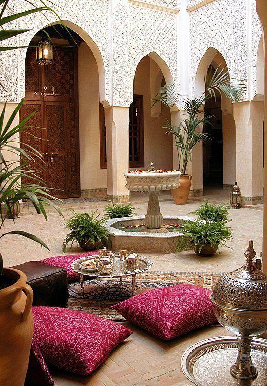 モロッコインテリア トレイテーブル コーディネート例