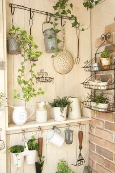 .i think i could do this is my back entryway..i love the light colors and greenery