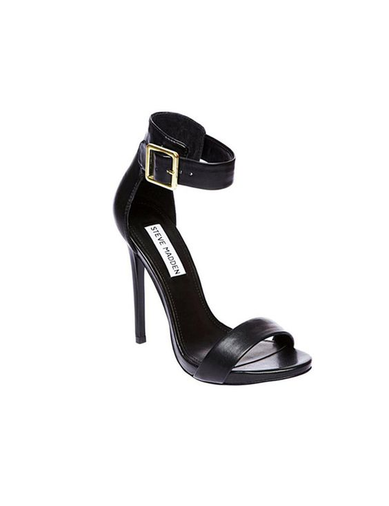 Sandalia negra con tacón de punta. Tienda 338 Online