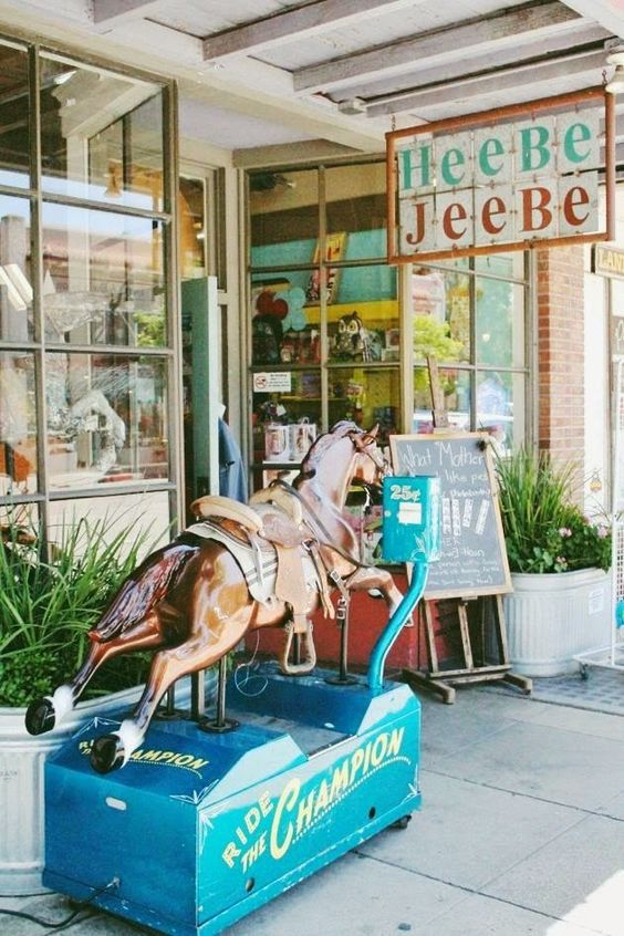 HeeBe Jeebe's, Downtown Petaluma, California // Poppy Haus #ChampionsofHome and #CleverGirls