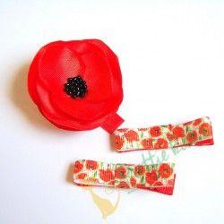 Handgemachtes Haarspangen-Set mit Satinblumen und Schleifen