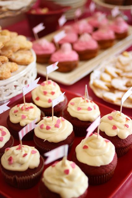 pink cupcakes pink party