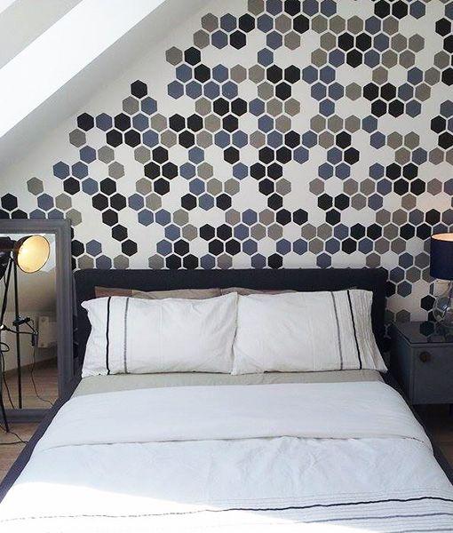 Szablon Malarski Heksagon Plaster Miodu To Struktura Niemal Idealna Idealnie Prezentuje Sie Wzor Malowany Na Sciani Bed Pillows Home Decor Valance Curtains