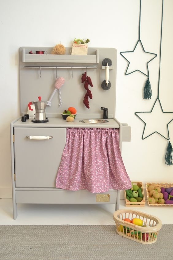 Wooden toy kitchen. BAM model with phone kit. #woodentoy #woodenplaykitchen #playkitchen #macarenabilbao