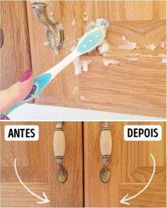 Misture uma colher de azeite com 2 colheres de bicarbonato de sódio e use uma escova de dentes para limpar. Em seguida, tire o que sobrou com um pano.