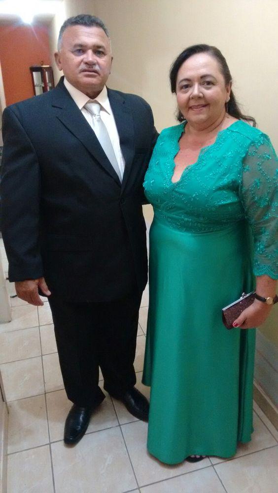 Mainha e papai, padrinho do casamento de Daniele.