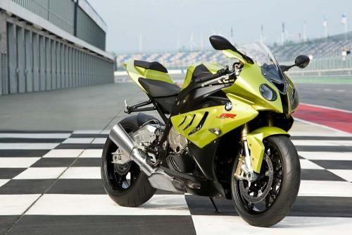 La motocicleta deportiva versión BMW S 1000 RR .