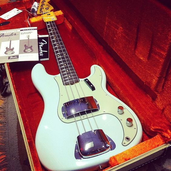 Super sonic ! Fender Pure Vintage 63 Precision Bass with case and manual ...pure soul #fender #precsion #vintagefender #fenderbass #wunjobass #weplaybass @fendersofinstagram @fenderguitar