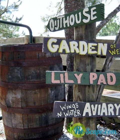 use pallets for wedding signs