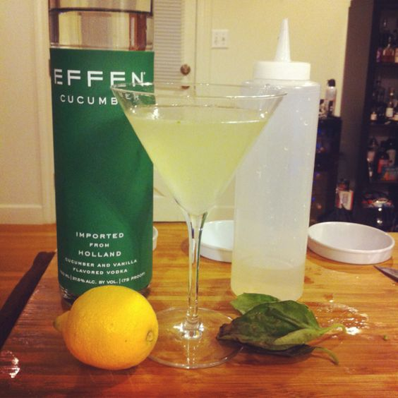 2oz effen cucumber vodka 3 4oz simple syrup 1 2oz lemon for Drinks with simple syrup and vodka