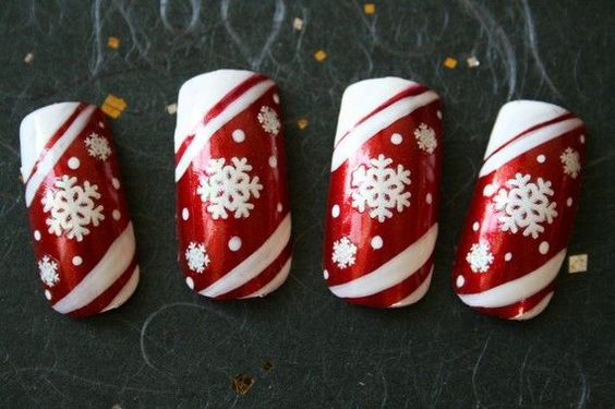 Japanese Winter Nail Art | Pin by The Sparkle Queen on Nail Art - Christmas and Winter Holidays ...