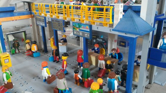 aéroport en Playmobil - un diorama de Dominique Béthune - collectionneur de Playmobil