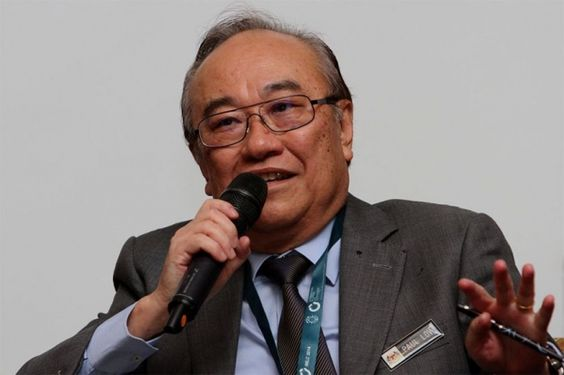 Datuk Paul Low says there is nothing wrong in avoiding taxes by shifting assets abroad as long as the gains were not ill-gotten. ― Picture by Yusof Mat Isa