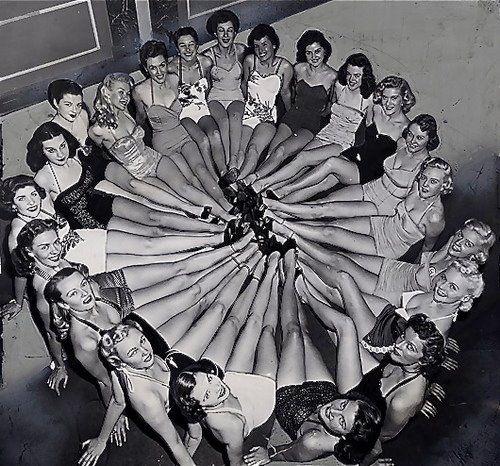 1940s War fashion – Liquid Stockings | Glamourdaze