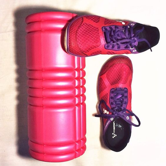 Here's imarunner.se presenting these awesome pink running shoes. They not only look awesome but they allow your feet to behave as if they were barefoot too. #barefoot #pink #shoes #running #foamroller #gymshoes #vivobarefoot Available here: http://www.vivobarefoot.com/uk/womens/one-ladies?colour=Purple/Pink